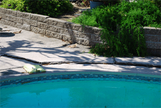 Pool inspection in Serra Mesa-pool deck